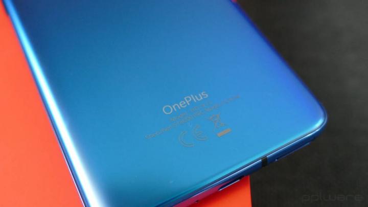 OnePlus 8 İşıq