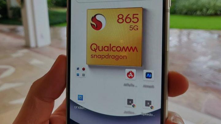 Pierwsze zdjęcia Xiaomi Mi 10 pokazują jego wygląd i aparaty 1