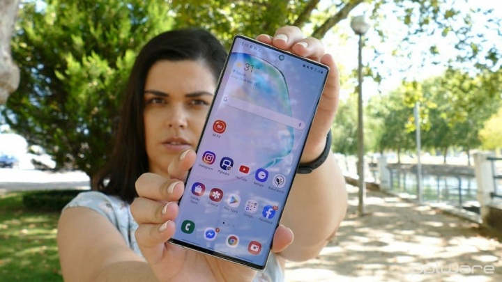 Wygaszacz ekranu Samsung Galaxy S11 potwierdza podobieństwa z Galaxy Uwaga 10