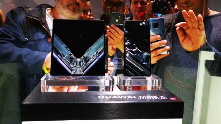 Po Samsungu Huawei ujawnia, ile smartphones Składany Mate X sprzedał się 1