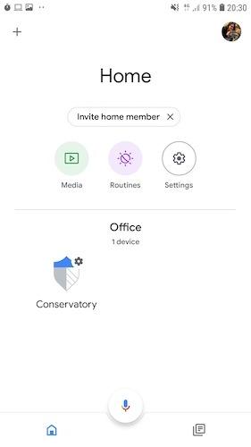 Você pode se conectar ao SmartThings pelo aplicativo Google Home.