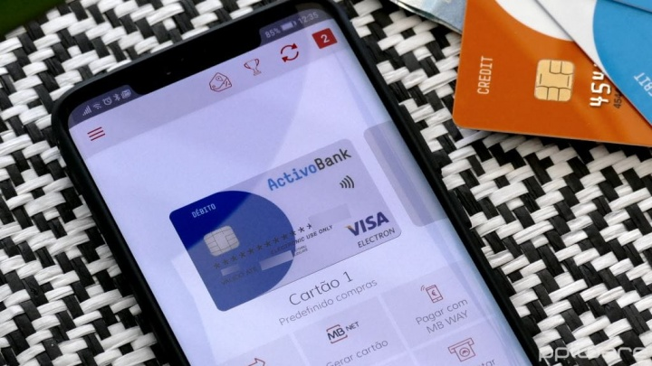 Jak korzystać ze smartfona i MB WAY, aby płacić za zakupy w supermarkecie?