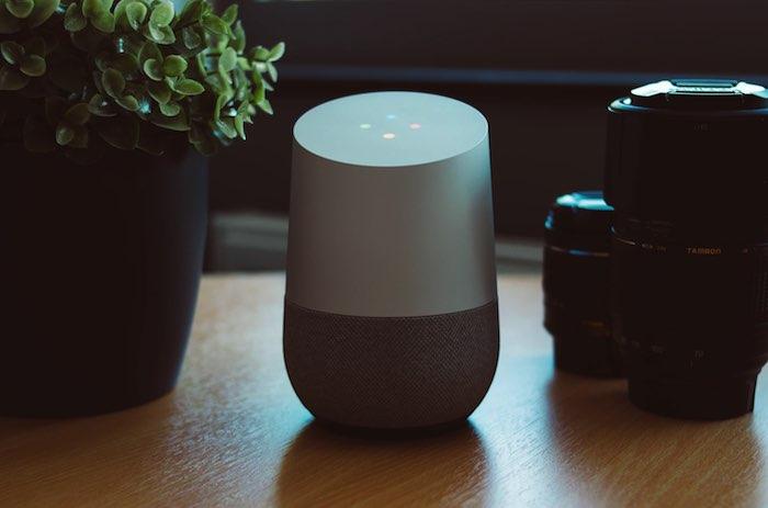 Você pode controlar sua casa inteligente com os comandos de voz da Página inicial do Google.