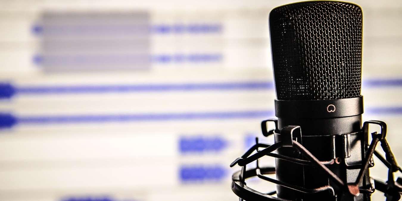 5 parhaat komedia podcastit kirkastamaan mielialaa