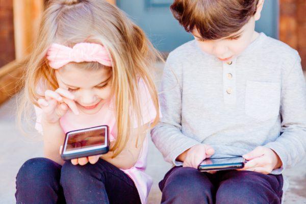 Paras suoja vanhemmille, joilla on iPhone