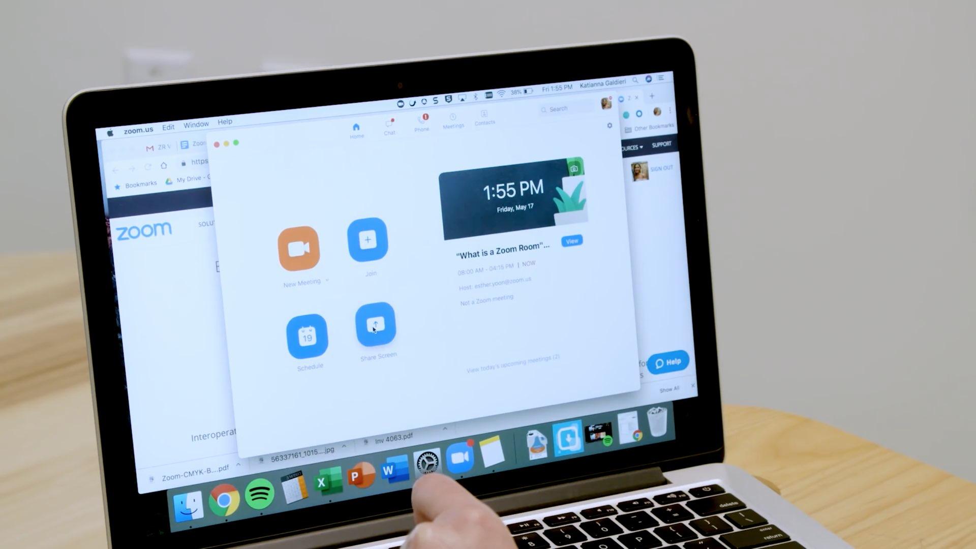 Uudet Zoom-virheet voivat antaa juurihyökkääjille pääsyn Mac-tietokoneeseen, ottaa verkkokameran ja mikrofonin haltuunsa 1