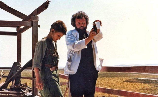 Maailma valittaa elokuvantekijän Allen Daviau -kuoleman, joka on Steven Spielbergin yhteistyökumppani