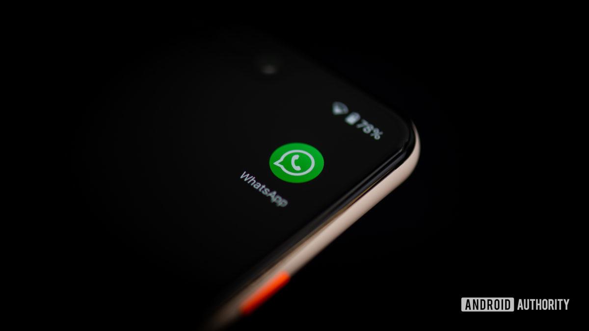 WhatsApp asettaa lisää rajoituksia sovellukselle.