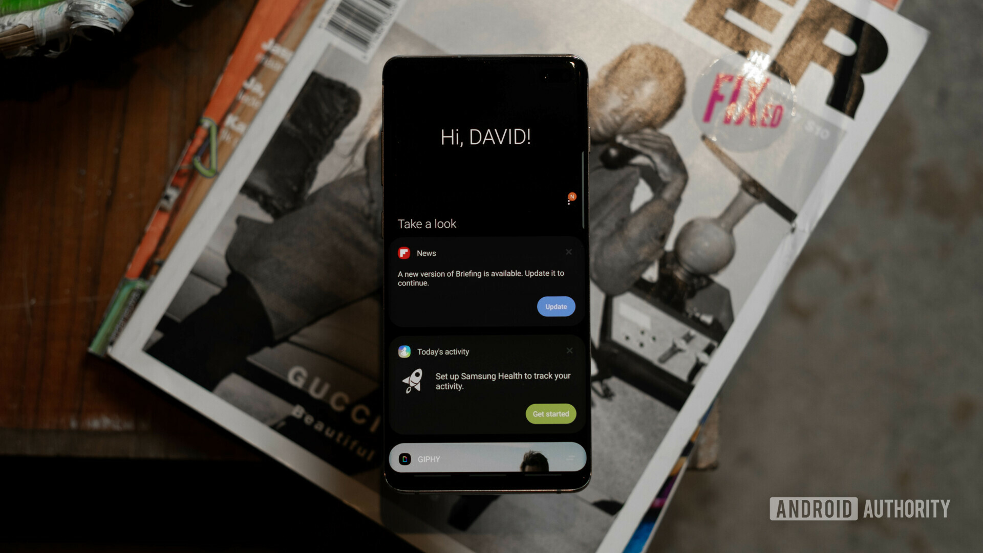 """Samsung Galaxy S10 Plus Bixby Home - Kuvan ottaminen kuvakaappauksesta Androidilla Bixbyllä. """"Leveys ="""" 1200 """"korkeus ="""" 676"""