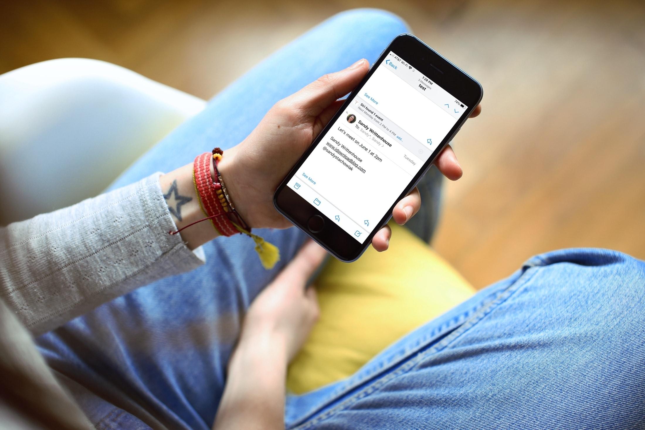Návrh Siriho na poštu iPhone
