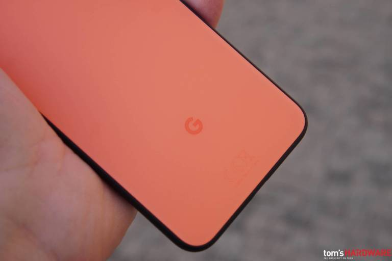 Google Pixel 4a przygotowuje się do konkurowania z iPhone'em SE: może kosztować 349 USD 2