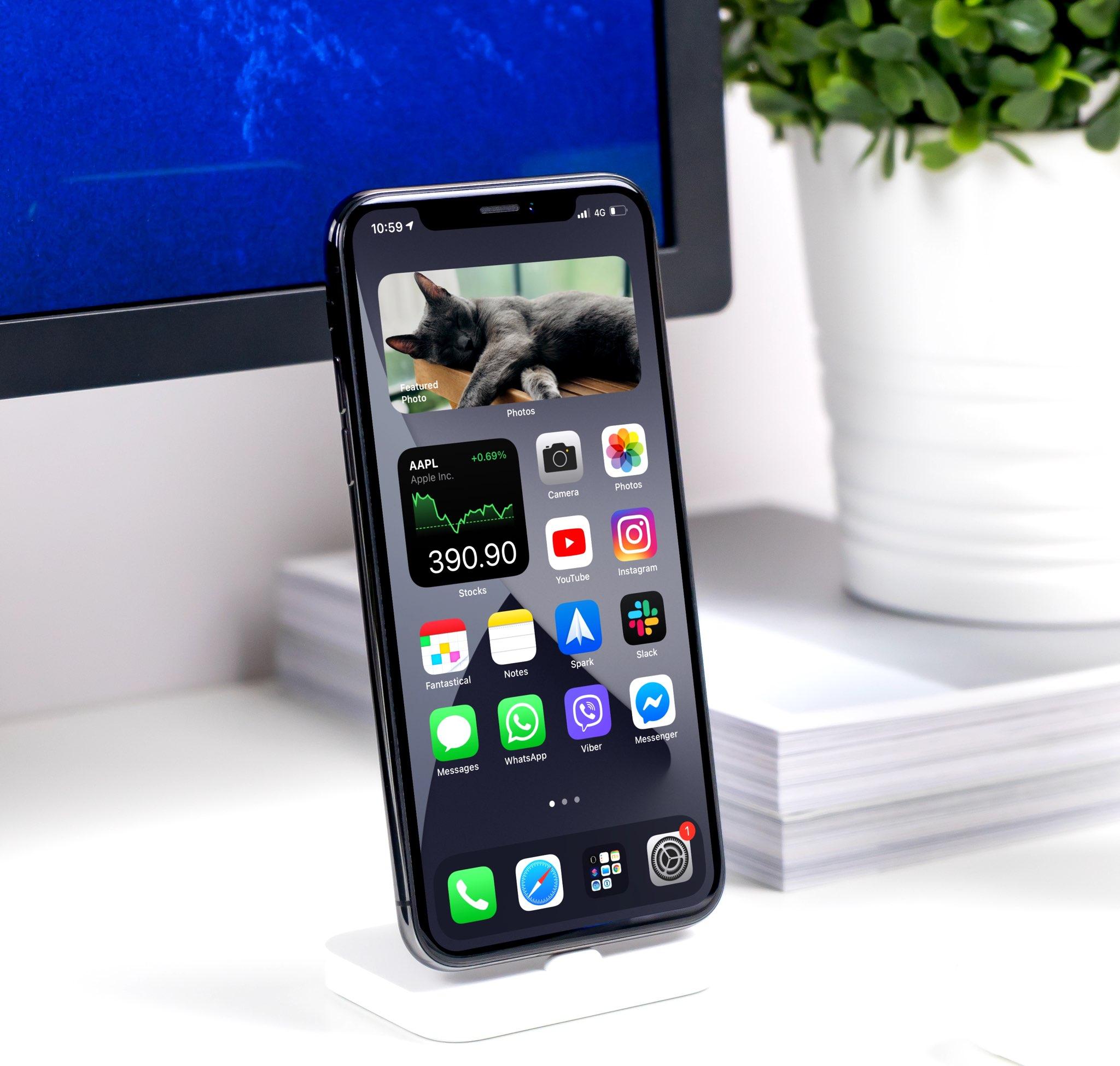 Widgety inteligentného zásobníka na obrázku iPhone - hrdina